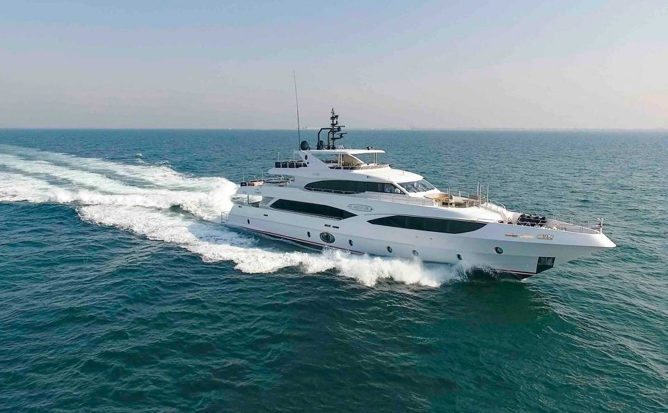 Gulf buyer takes delivery of $12.5m superyacht