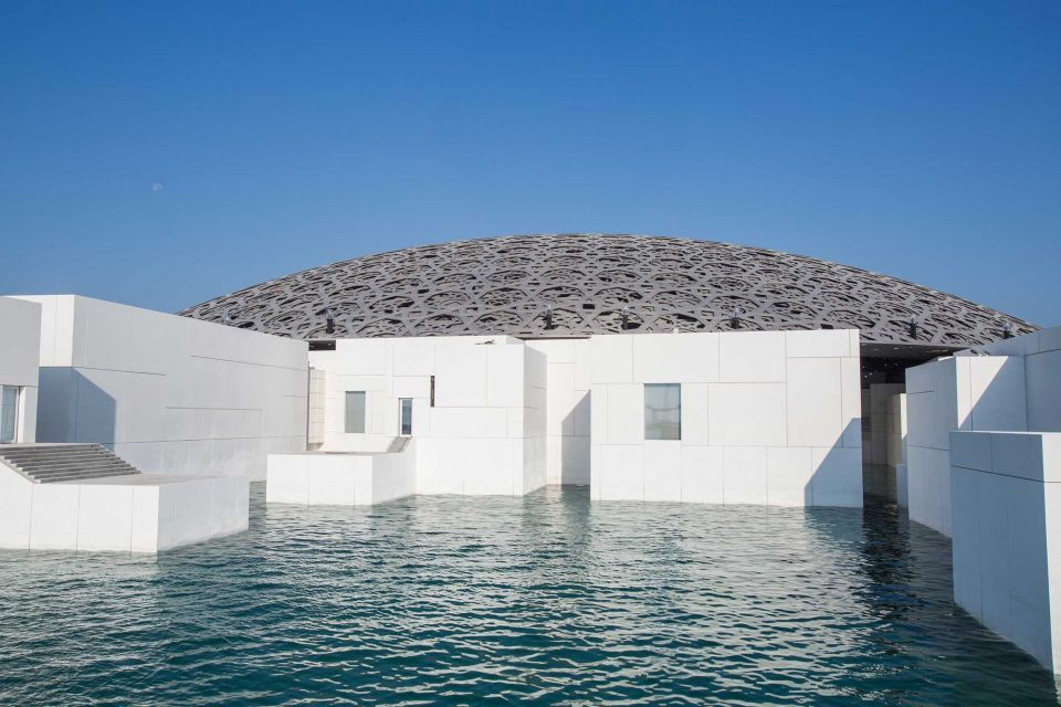 Video: watch Louvre Abu Dhabi being built in under 3 minutes