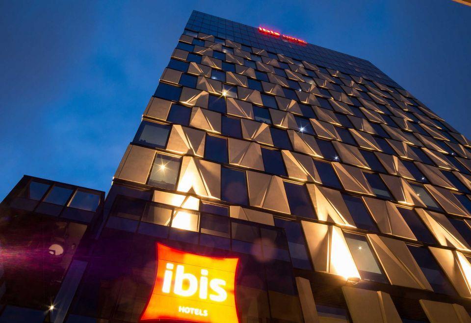 Nakheel picks ibis to run new Dubai economy hotel