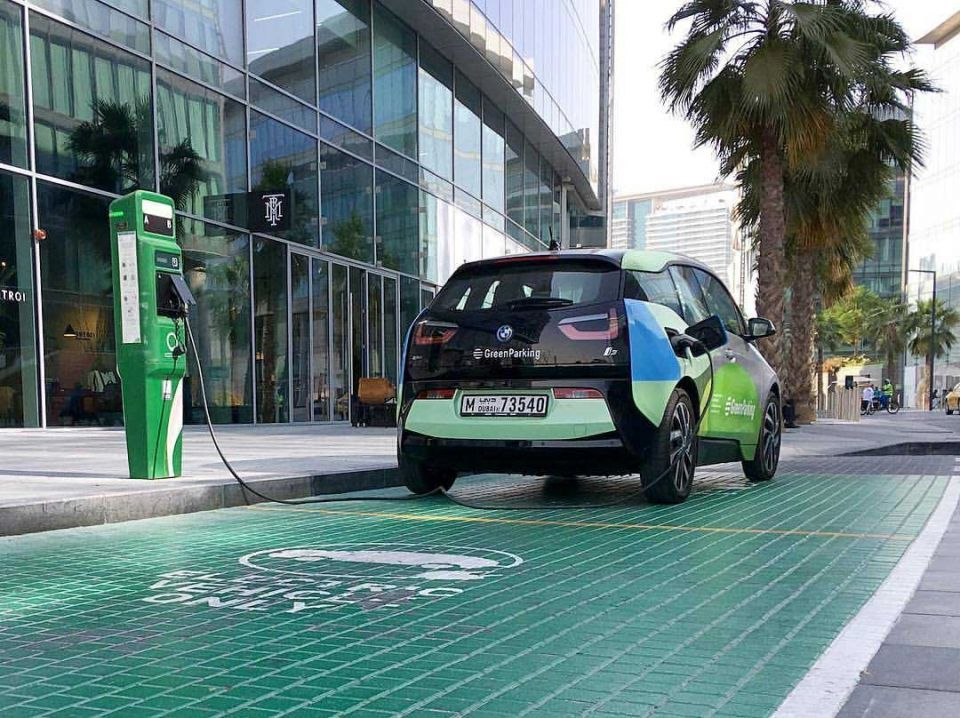 More electric vehicle charging points planned in UAE, Oman