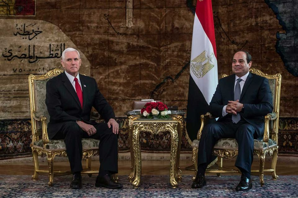 Pence meets Sisi on Mideast tour amid Arab anger over Jerusalem