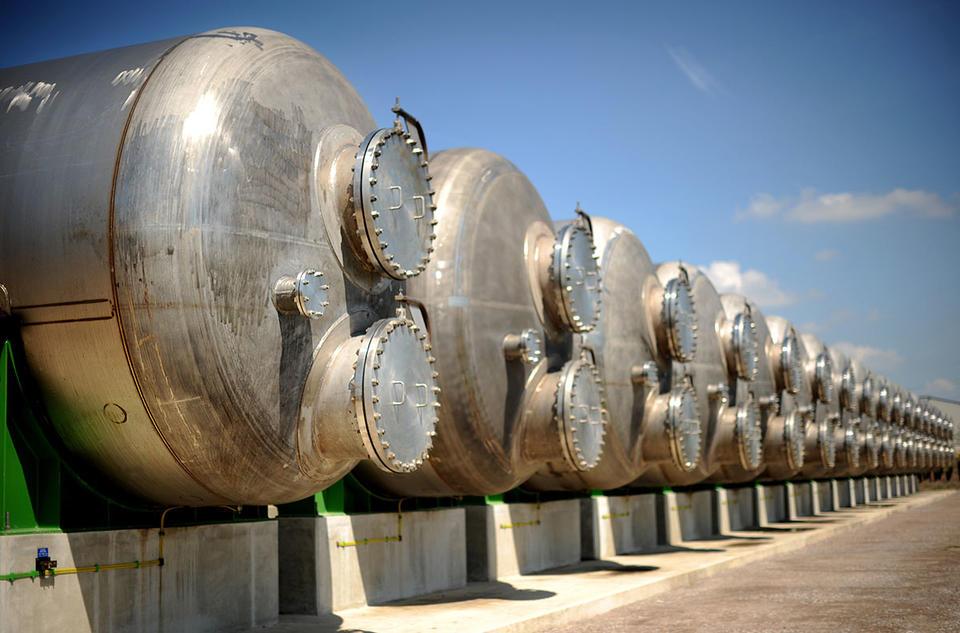 Mubadala, FEWA to develop desalination plants in Northern Emirates
