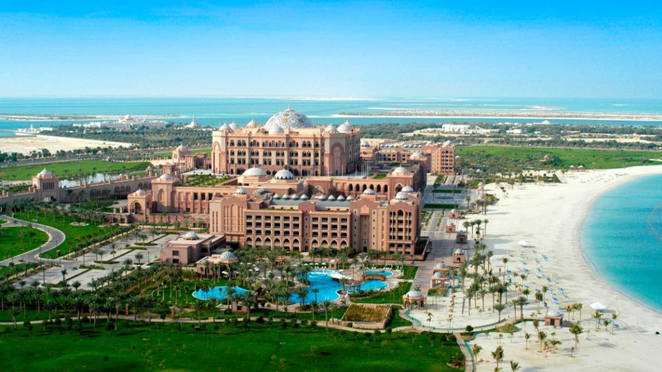 Iconic Abu Dhabi luxury hotel appoints new manager
