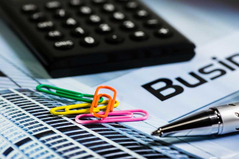 Accounting & beyond: Running a service oriented business on Zoho Books