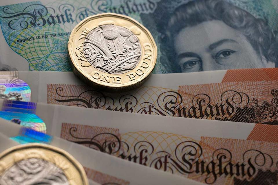 Sterling expected to rise against the UAE dirham in 2018, say analysts