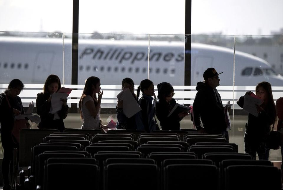 Philippines partially lifts ban on workers going to Kuwait