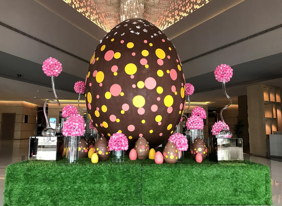 Dubai's largest chocolate Easter egg goes on display