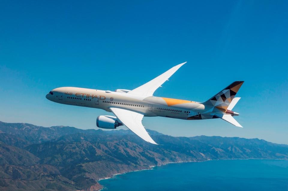 Etihad cuts 195,000 tonnes of carbon emissions in 2017