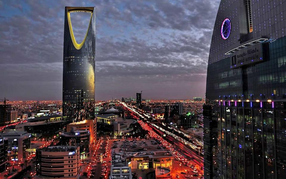 Saudi private sector growth slows to near 9-year low