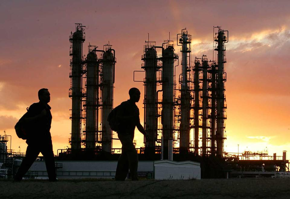 US calling on Saudis to halt plan to unleash record oil supply