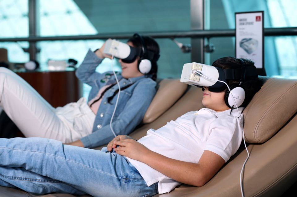 Emirates trials innovative headsets in Dubai airport lounge
