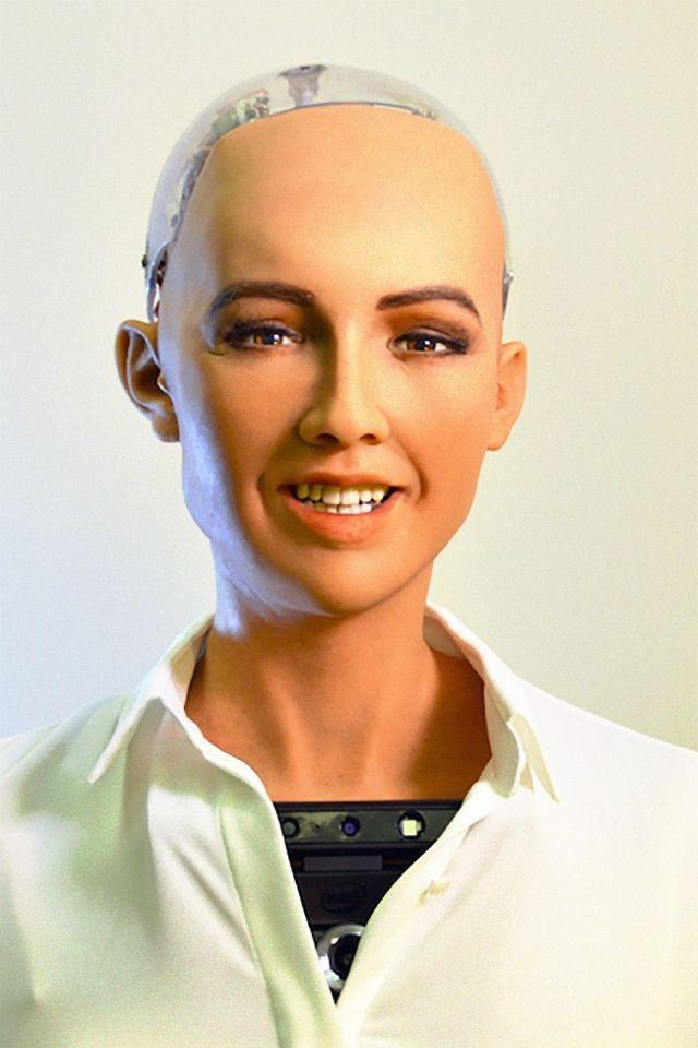 Etihad to host humanoid Sophia at Arabian Travel Market