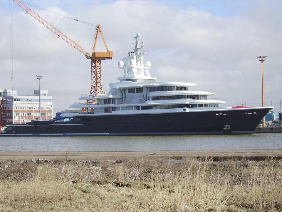 Dubai Courts lifts freezing order on Russian billionaire's $500m superyacht
