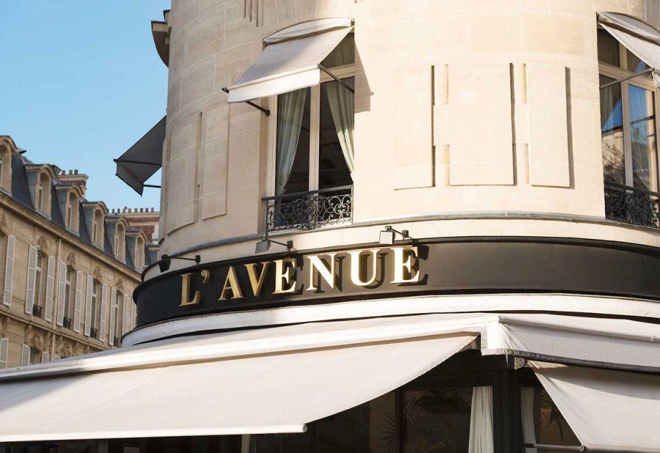 Parisian restaurant L'Avenue probed over 'anti-Arab discrimination'
