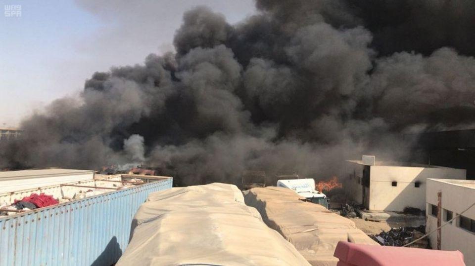 Abu Dhabi Civil Defence helps control fire at Al Batha border checkpoint