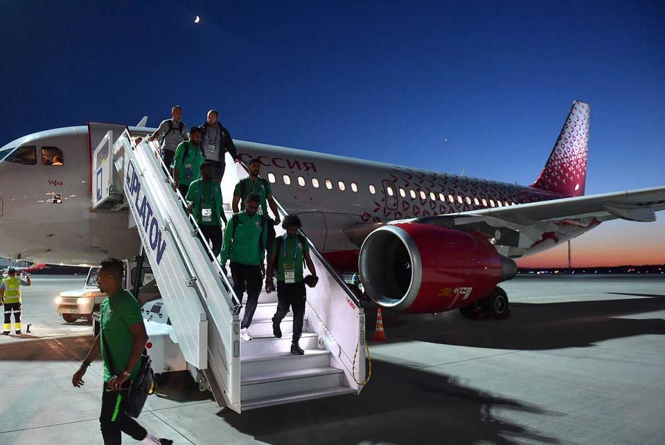Saudi World Cup team's plane suffers engine fire