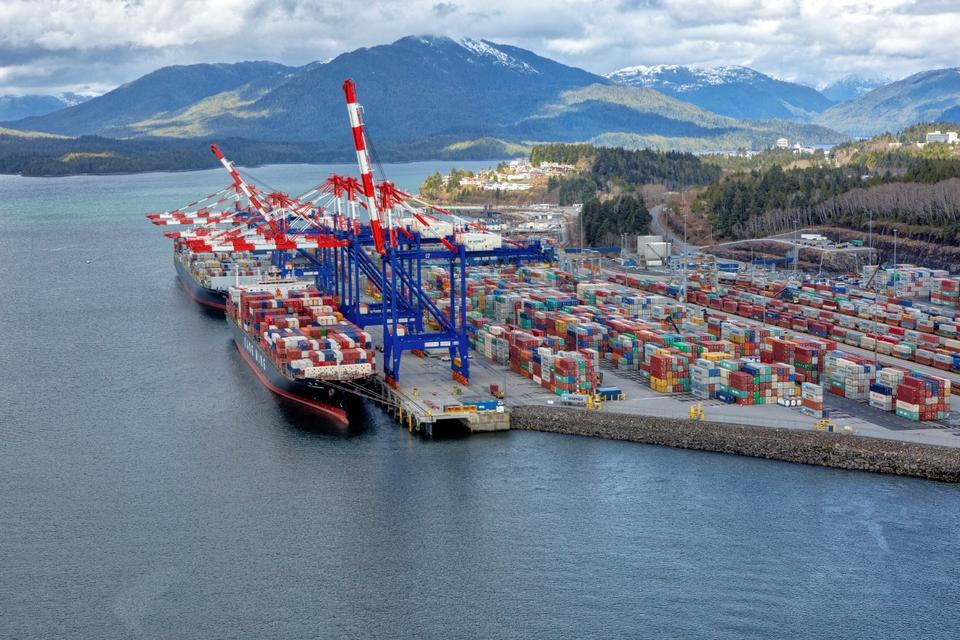 DP World agrees plan to expand Canada port terminal