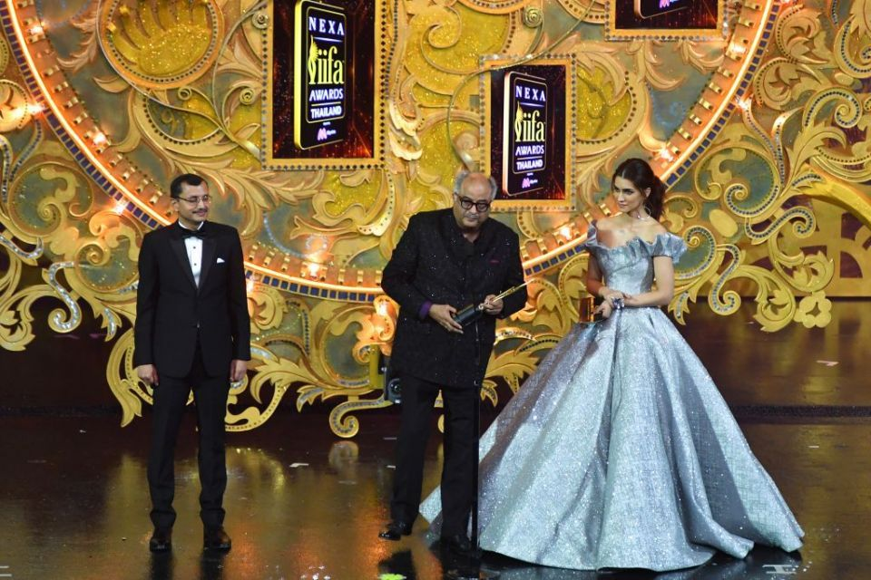 'Bollywood Oscars' honours Sridevi Kapoor