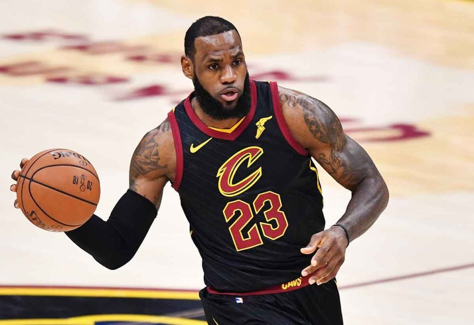 LeBron James signs $154m with NBA giants LA Lakers