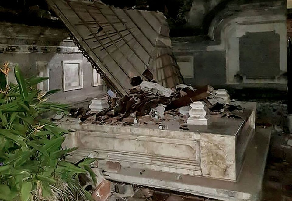 In pictures: Powerful earthquake jolts Indonesian tourist islands of Lombok and Bali