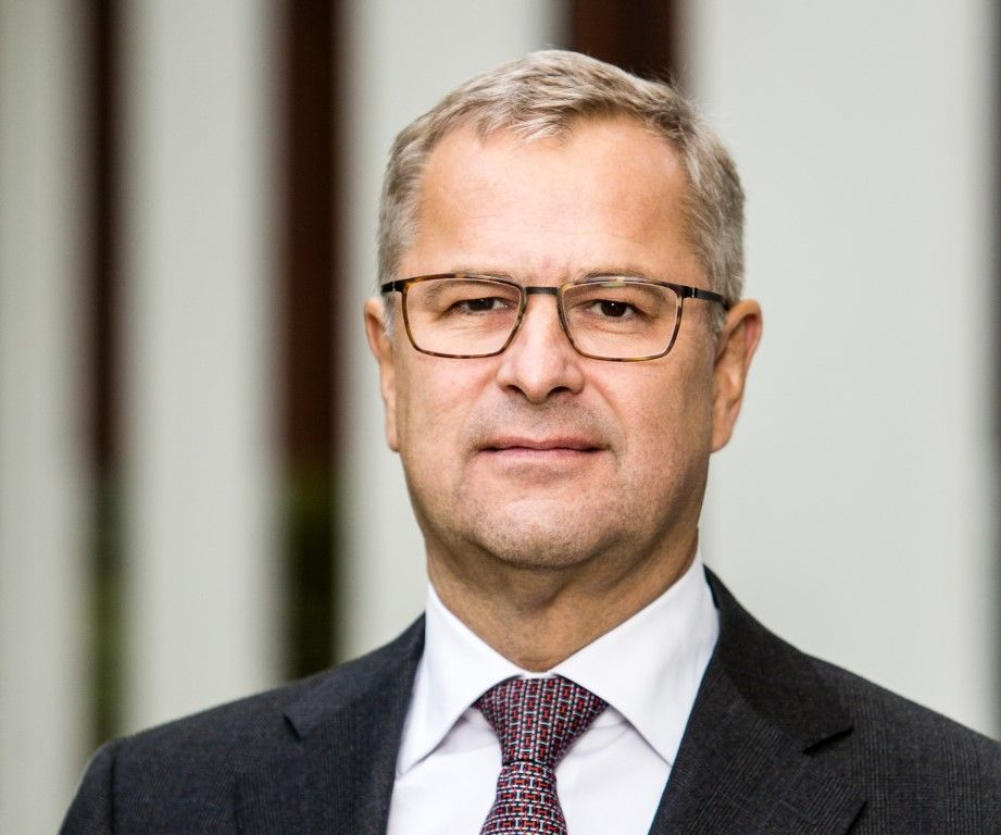 Tariffs will hurt US more than rest of world, says Maersk CEO