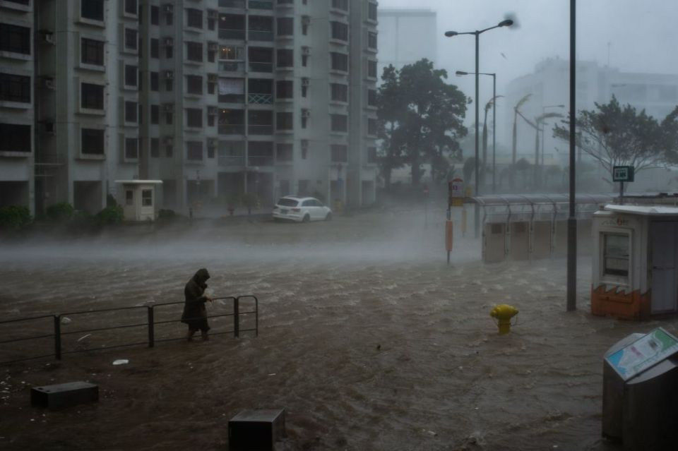 Almost 900 Hong Kong flights cancelled ahead of dangerous typhoon