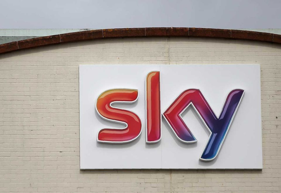 Comcast outbids Fox with $39bn move for UK satellite broadcaster Sky