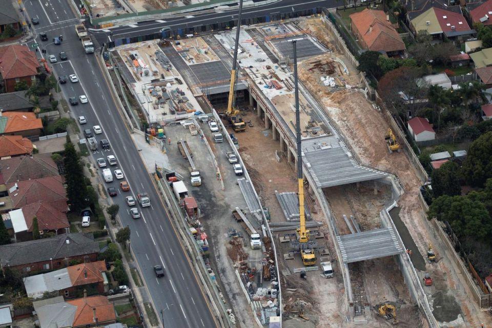 Abu Dhabi buys stake in Australian motorway project