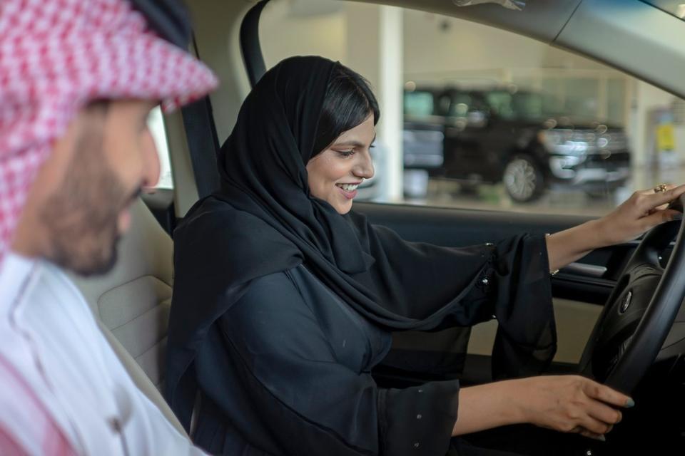 Saudi car sales set to rise 8% on back of new female market