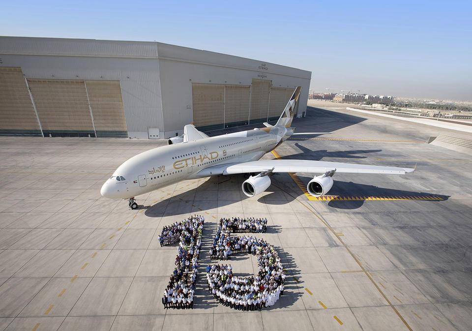 Etihad Airways celebrates 15th anniversary with 'human mosaic'