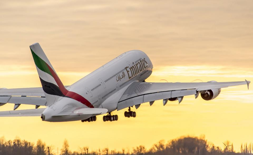 Emirates airline to resume flying A380 superjumbos to London, Paris