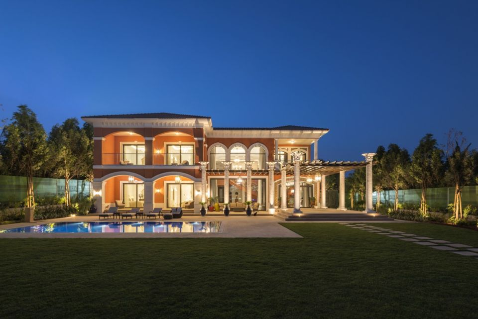 Ultra-luxury Palm Jumeirah project starts handover