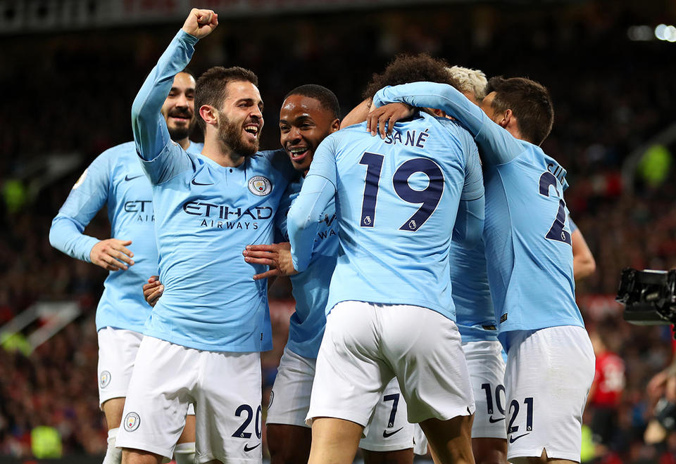 Manchester City edge back in front in Premier League title race