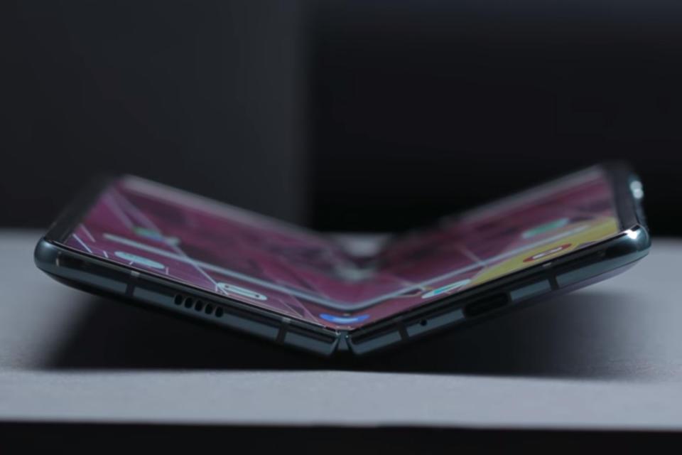 Samsung profit slumps more than half as chip market weakens