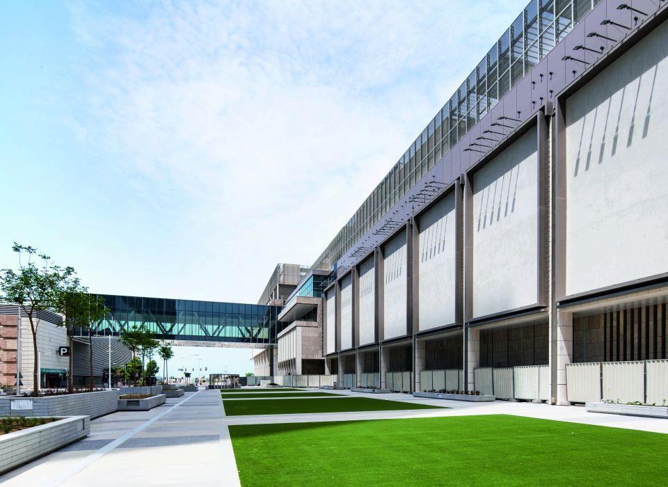 Abu Dhabi's Galleria seeks super-mall status by adding 300 shops