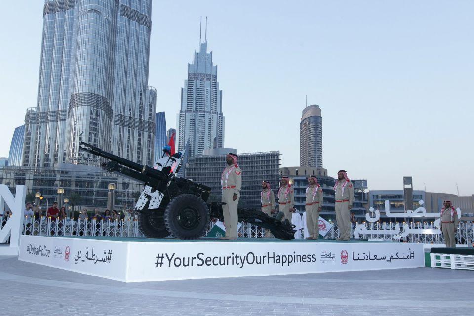 Burj Khalifa Ramadan cannons prove popular with tourists - Dubai Police