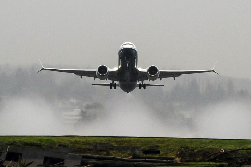 Boeing 737 MAX groundings 'benefitting' aircraft lessors