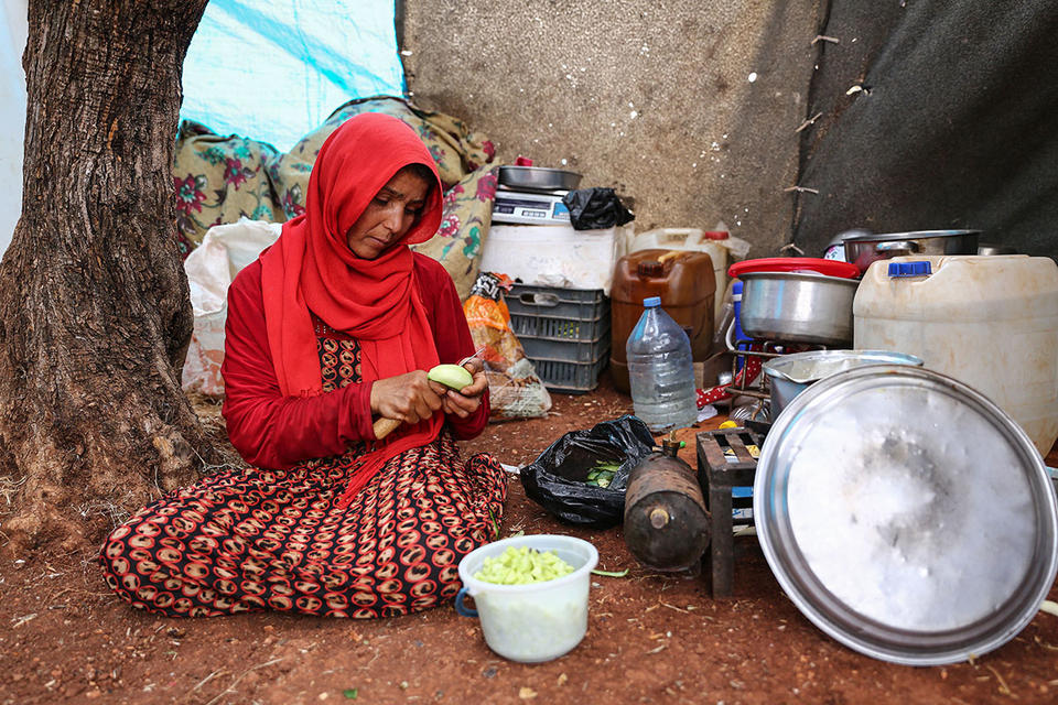 Gallery: Displaced Idlib residents spend first homeless Ramadan