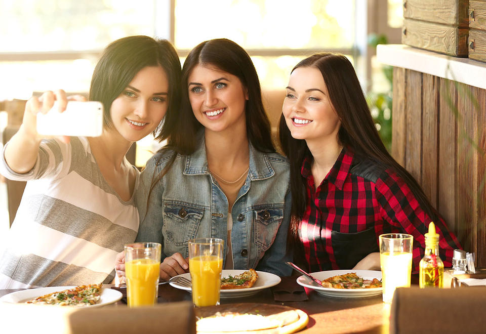 Platform that allows 'beautiful' models to dine for free set for Dubai debut