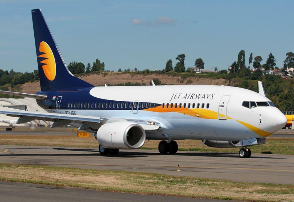 India's Vistara, SpiceJet said to mull bid for Jet Airways