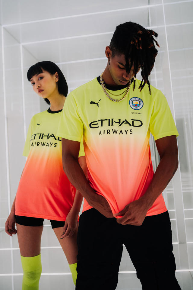 Gallery: PUMA launches Manchester City's new third kit