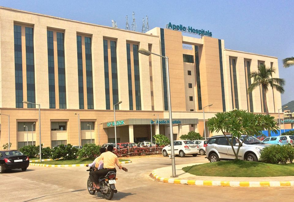 Abu Dhabi fund said to be in talks with Indian hospital chain