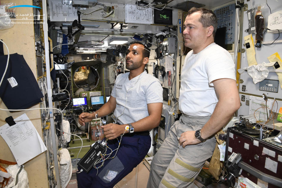 Dubai students get science lesson straight from space