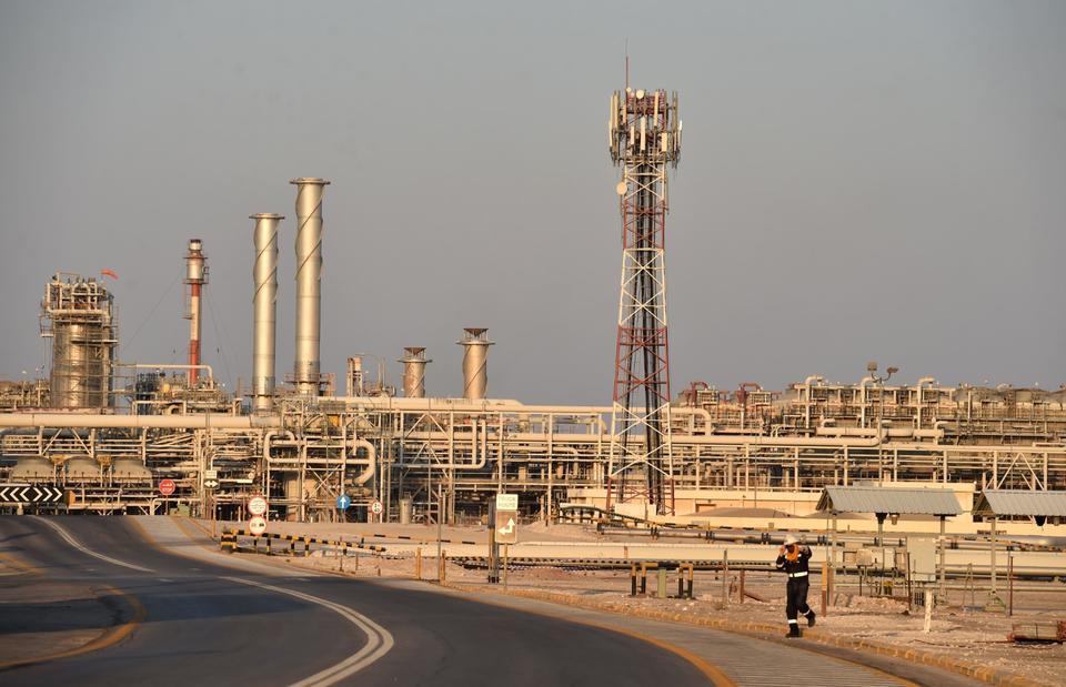 Saudi Aramco plans $75bn dividend in 2020 to tempt IPO investors