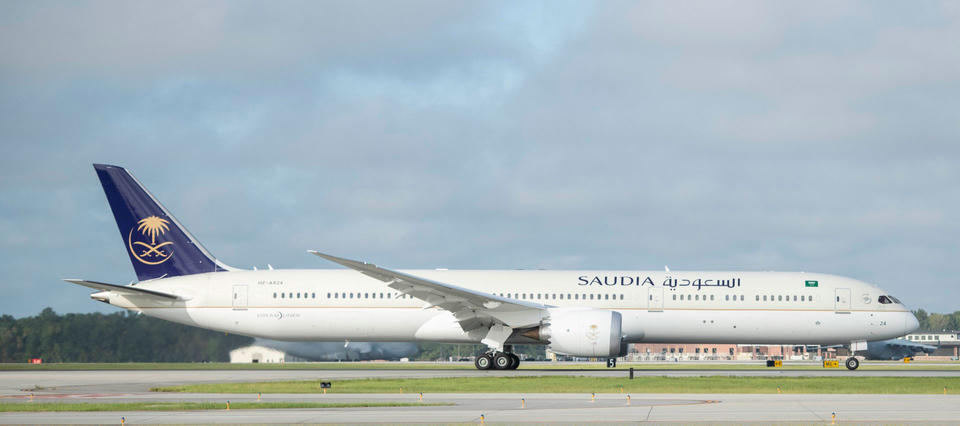 Saudia lands its first 787-10 Dreamliner from Boeing