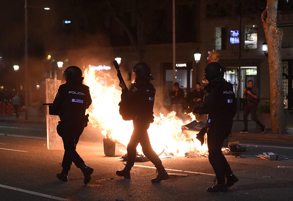 UAE warns citizens to be careful amid escalating Barcelona protests