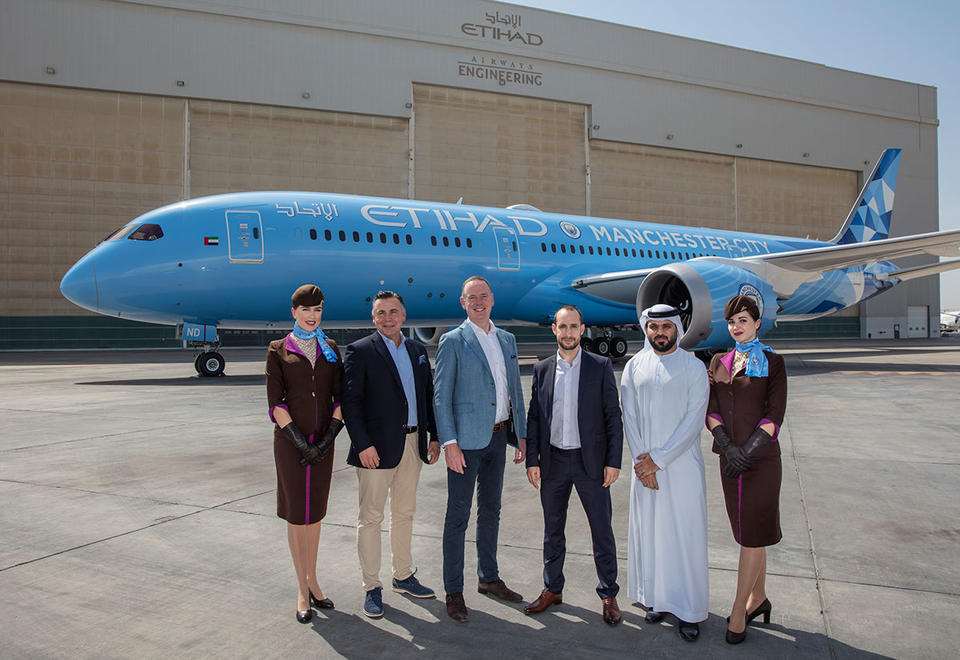 Etihad Airways unveils Manchester City FC livery on new Boeing 787-9 Dreamliner