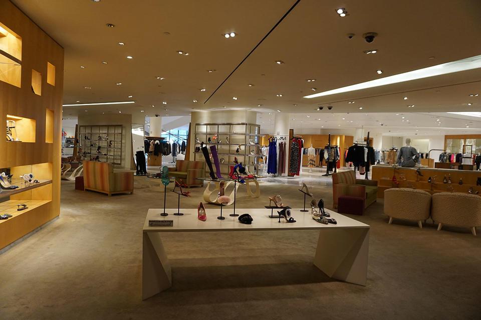 Former Istithmar World CEO partners with Saudi perfume giant in bid for US retailer Barneys