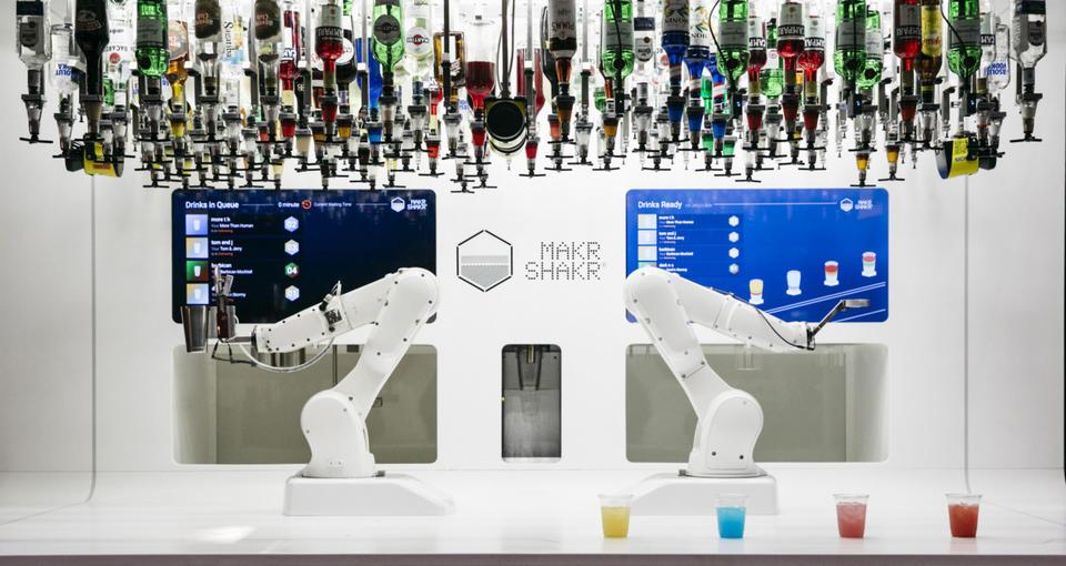 Meet Makr Shakr, Dubai's first robotic bartender