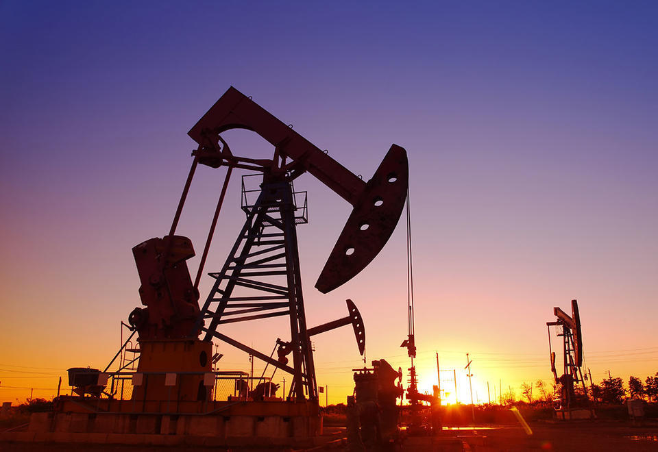 Oil price hits one-year low under $55 amid virus fears
